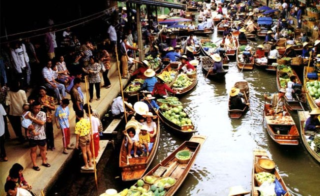 bangkok-floating-market-interest-place-to-visit